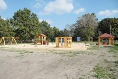 Plac zabaw w Dąbroszynie